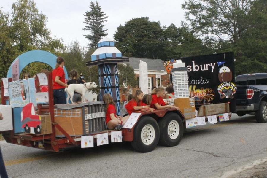 The winner of the float contest at the elementary level: Asbury Elementary.